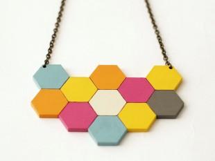 honeycomb_necklace_large_flowers